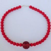 Traditionelle chinesische Cinnabar – Mittelperle – Inschrift bedeutet Glück/ Freude - und rotgefärbte Lava aus Italien