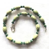 Serpentin Ovale und grüne Lava Würfelchen